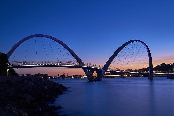 5 Elizabeth Quay Bridge