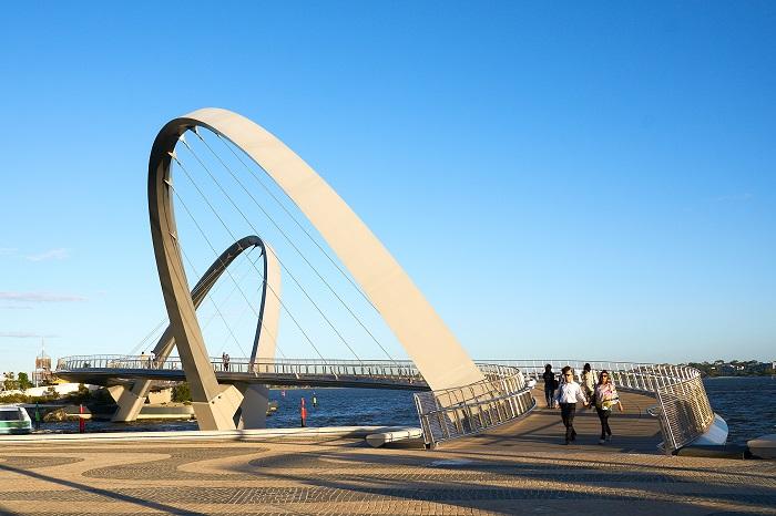 9 Elizabeth Quay Bridge